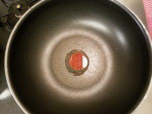 サラダ油を引いたフライパン